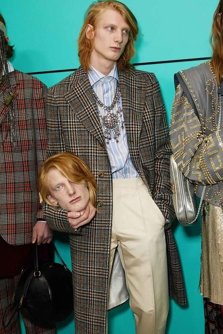 Cabezas decapitadas, modelos con tres ojos y con cuernos: los detalles que no viste del desfile de Gucci