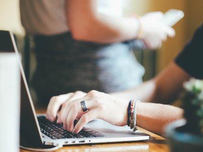 Con este servicio puedes publicar una página web tan solo enviando un email