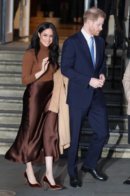 Meghan Markle, Harry y la reina Isabel II llegan por fin a un acuerdo: renuncian al tratamiento de alteza real y al sueldo