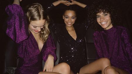 El exceso de lentejuelas y las prendas brillantes invaden la nueva colección de fiesta de Pull & Bear