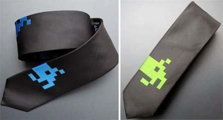 Corbata de seda de Space Invaders
