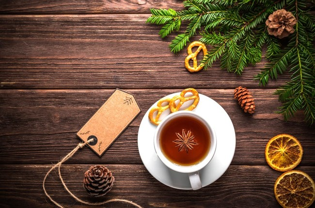 Más allá del vino: cinco cócteles navideños internacionales para alegrar la Navidad