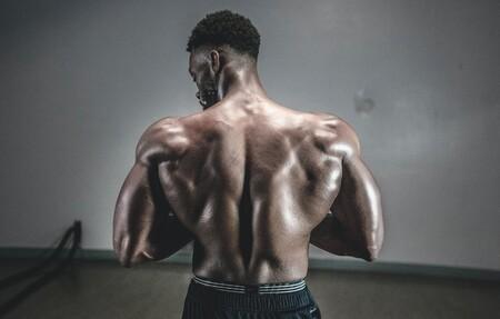 Una rutina completa para entrenar tu espalda en el gimnasio