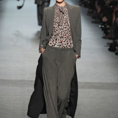 Foto 4 de 27 de la galería jean-paul-gaultier-otono-invierno-20112012-en-la-semana-de-la-moda-de-paris-el-lado-sexy-del-estilo-ladylike en Trendencias