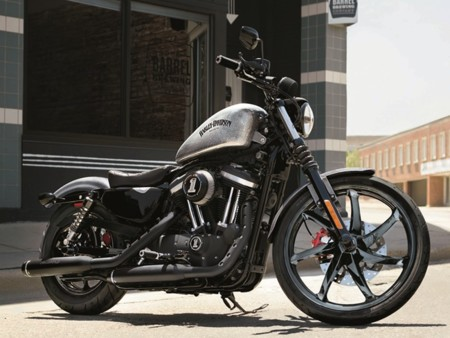 La Harley-Davidson Iron 883, ahora con escapes Screamin'Eagle de regalo
