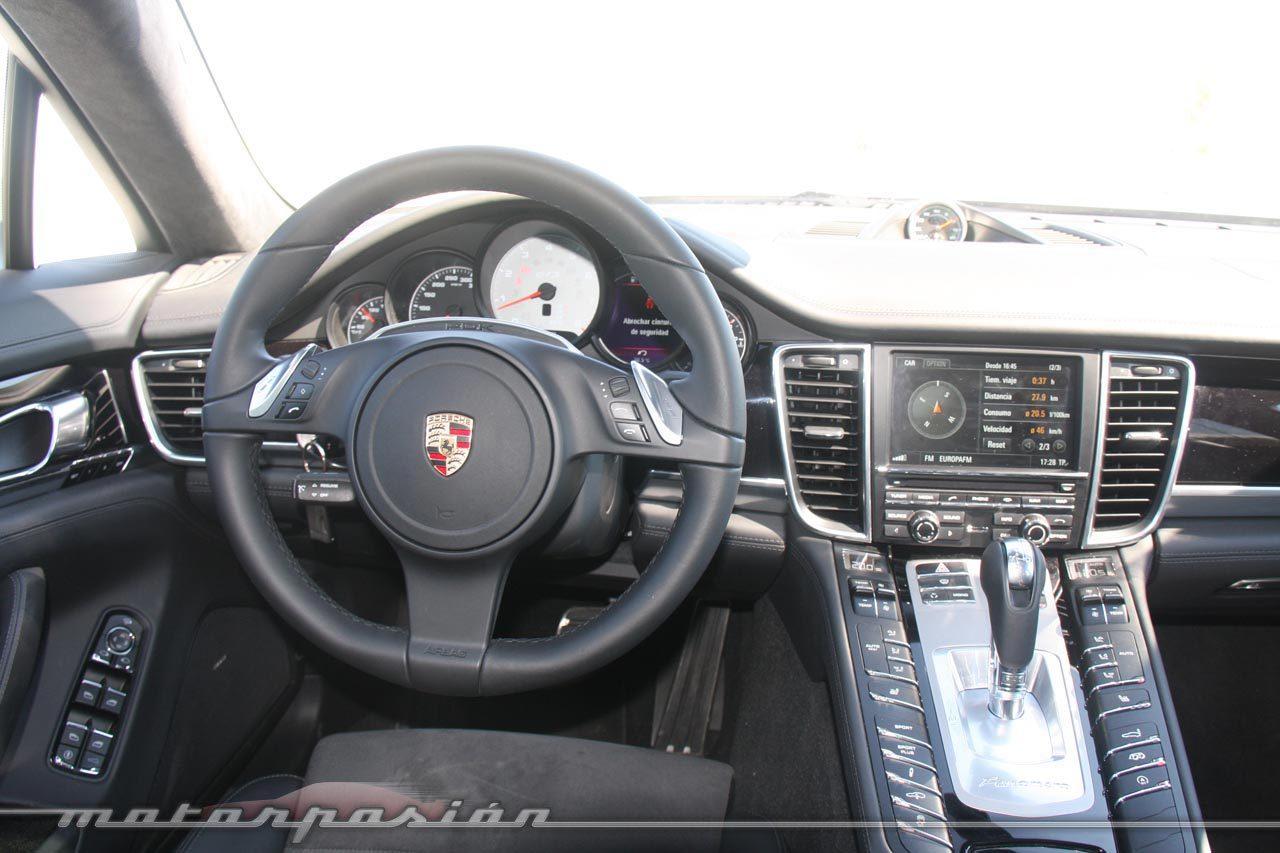 Foto de Porsche Panamera GTS (Prueba) (11/135)