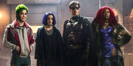 Titans Tv Show Beast Boy Raven Robin And Starfire