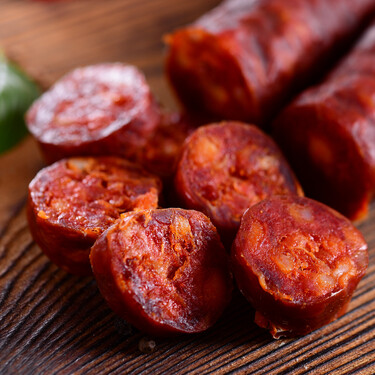 Seis recetas de aperitivo con productos del cerdo para celebrar un Entroido o carnaval gallego en el picoteo del finde