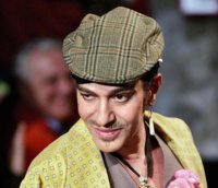 John Galliano suspende su desfile