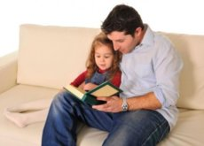 Tres buenas razones por las que los papás deberían leer cuentos a los niños