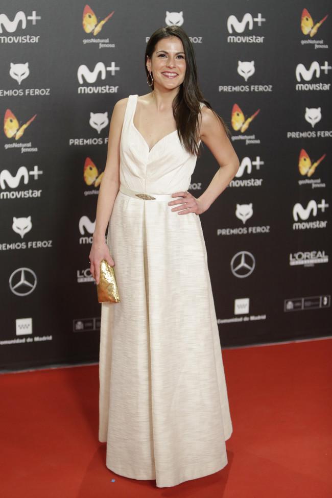 premios feroz alfombra roja look estilismo outfit Noemi Ruiz