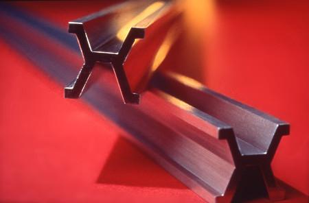 Al diamante le ha salido un competidor tan duro como él: una aleación de platino y oro 100 veces más dura que el acero