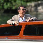 El tan suit es el look para lucir en los últimos destellos de verano (y en el Festival de Venecia)