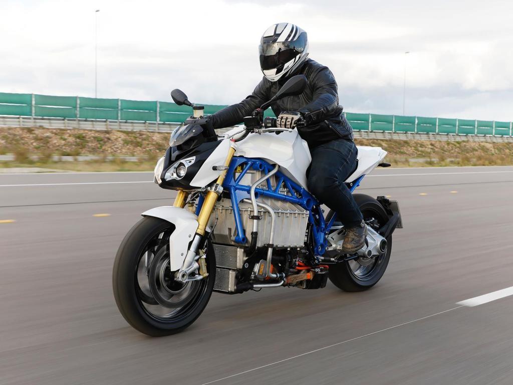 BMW E-Power Roadster: el primer prototipo de motocicleta eléctrica de BMW parece más una enorme batería con ruedas