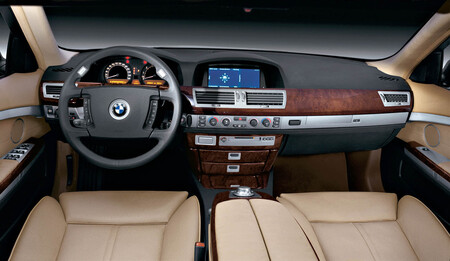 Bmw 745i E65 BMW nuevo iDrive CES 2021