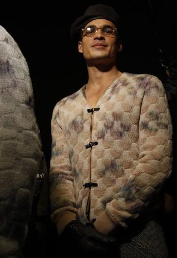 Foto de En el backstage de Giorgio Armani, Otoño-Invierno 2010/2011 (2/5)