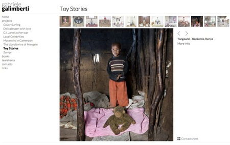 Los niños de cualquier parte del mundo posando con sus juguetes más preciados