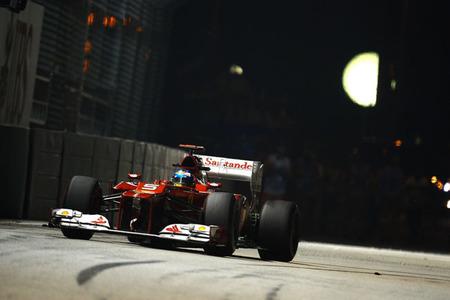 Un nuevo podio para Fernando Alonso que le acerca al título
