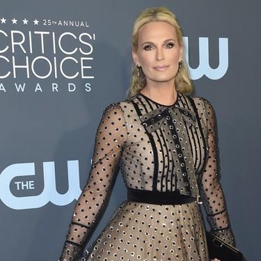 Teresa Helbig ha pisado la alfombra roja de los Critics' Choice Awards 2020 y lo ha hecho de la mano de Molly Sims