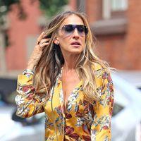 Sarah Jessica Parker saca el pijama a la calle, hasta Carrie Bradshaw estaría orgullosa de su look