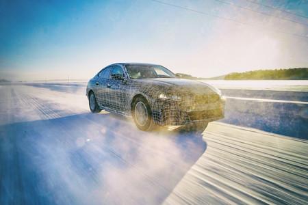 BMW ofrece los primeros detalles de su próximo coche eléctrico: BMW i4, un sedan eléctrico con autonomía de hasta 600 kilómetros