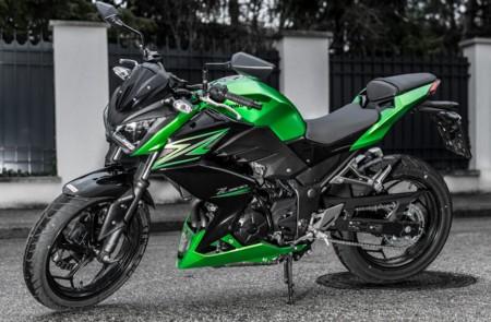 Kawasaki Z300 01