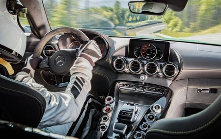 Mercedes Benz Amg Gt R 2017 1280 2a