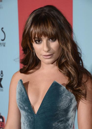 El terciopelo (y el escotazo) más sexy de Lea Michele es de Cushnie Et Ochs