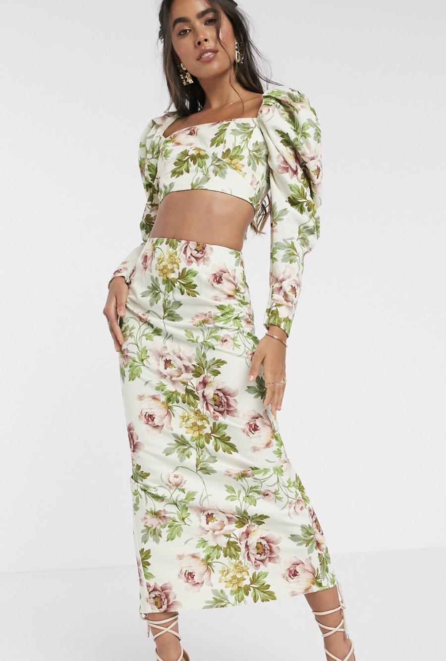 Falda midi con estampado floral romántico de ASOS EDITION