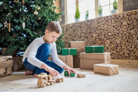 23 juguetes ecológicos para niños de todas las edades, para regalar en Navidad
