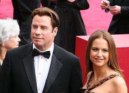 John Travolta y Kelly Preston han vuelto a ser papá y mamá