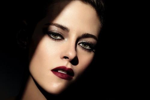Kristen Stewart y Chanel nos vuelven a conquistar con la nueva colección de maquillaje Noir Et Blanc