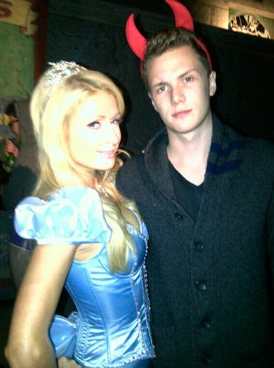 paris-hilton-y-baron-halloween