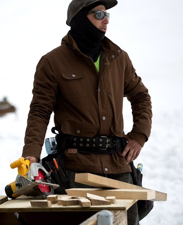 Currantes en la nieve: chaqueta DC X Snow Park Technologies