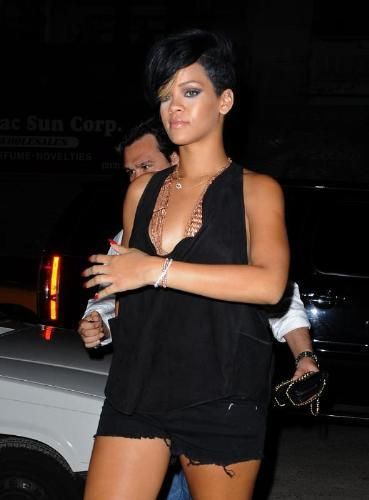 Rihanna es demasiado provocativa para la basílica de San Marcos