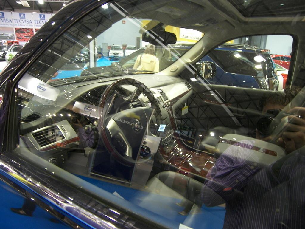 Foto de Cadillac Escalade en el Salón de Vigo (1/6)