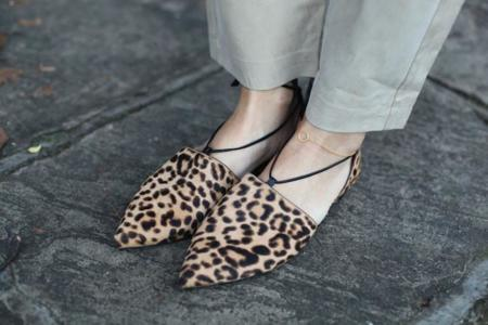 Ve tomando nota para verano, estas babuchas se convertirán en el calzado del buen tiempo