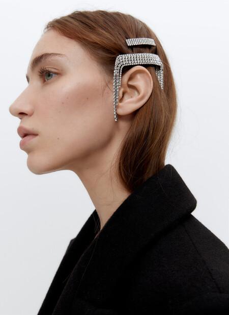 Las horquillas de Uterqüe toman todo el protagonismo en nuestro pelo de cara a esta Navidad 2020