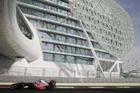 McLaren domina la primera jornada en Abu Dhabi