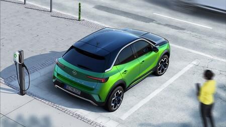 Plan MOVES III: qué tener en cuenta para comprar un coche eléctrico este año y ahorrar dinero
