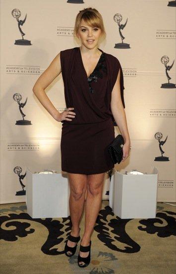 Aimee Teegarden gala de la Academia de Televisión 2011
