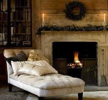 Una chimenea en casa, un cálido invierno tradicional