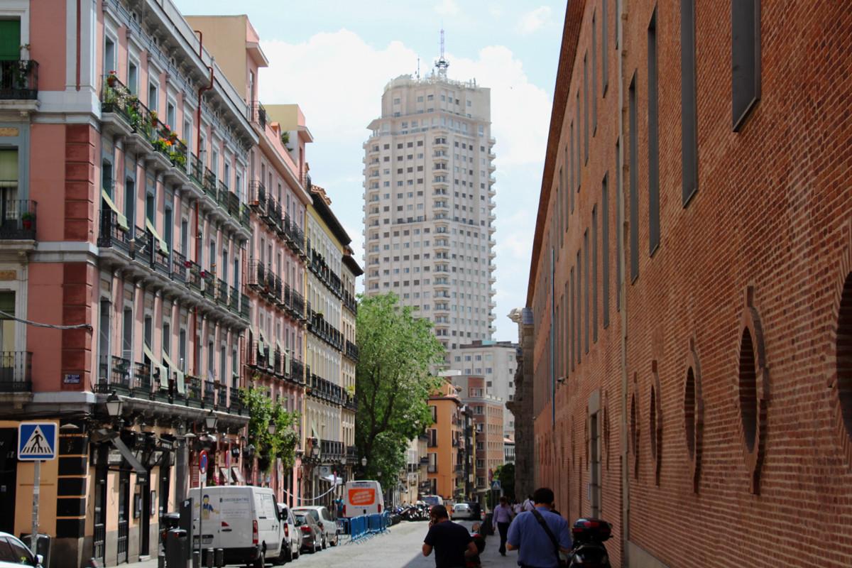 #MadridVsBlackstone: qué hay tras la movilización vecinal contra la venta de vivienda protegida
