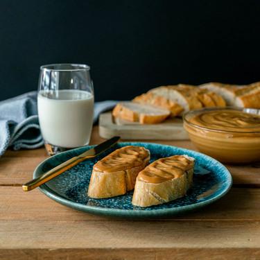 Esta es la receta de dulce de leche más fácil y rápida y sus siete mejores postres (con vídeo incluido)
