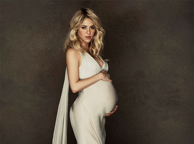 Shakira dará a luz mediante cesárea