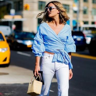 Si te preguntas cómo vestir bien en verano 2019 con muy poco, estas siete ideas de street style te salvarán todos tus looks