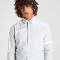 Zalando nos ofrece camisas Only & Sons Onsjames desde 12,45 euros con envío gratis
