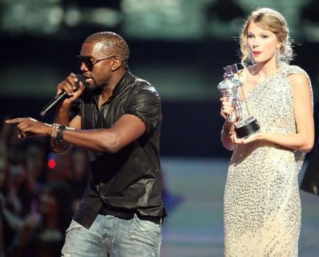 Kanye West la lía parda en los MTV y deja en ridículo a Taylor Swift
