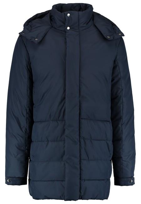 Por sólo 23,95 euros podemos hacernos con este abrigo de Pier one para hombre. Envío gratis con Zalando