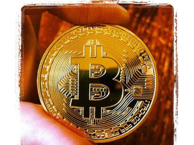 Smartphones y Bitcoins: lo que podemos (y no podemos) hacer con la moneda virtual y el teléfono